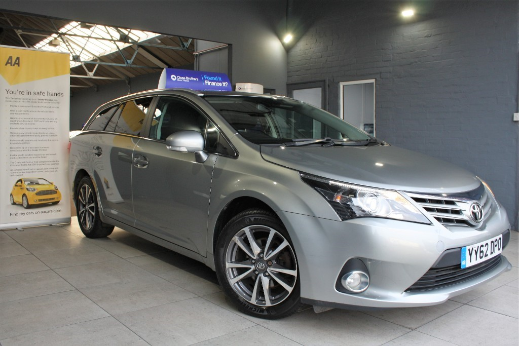 used Toyota Avensis D-4D TR in staffordshire