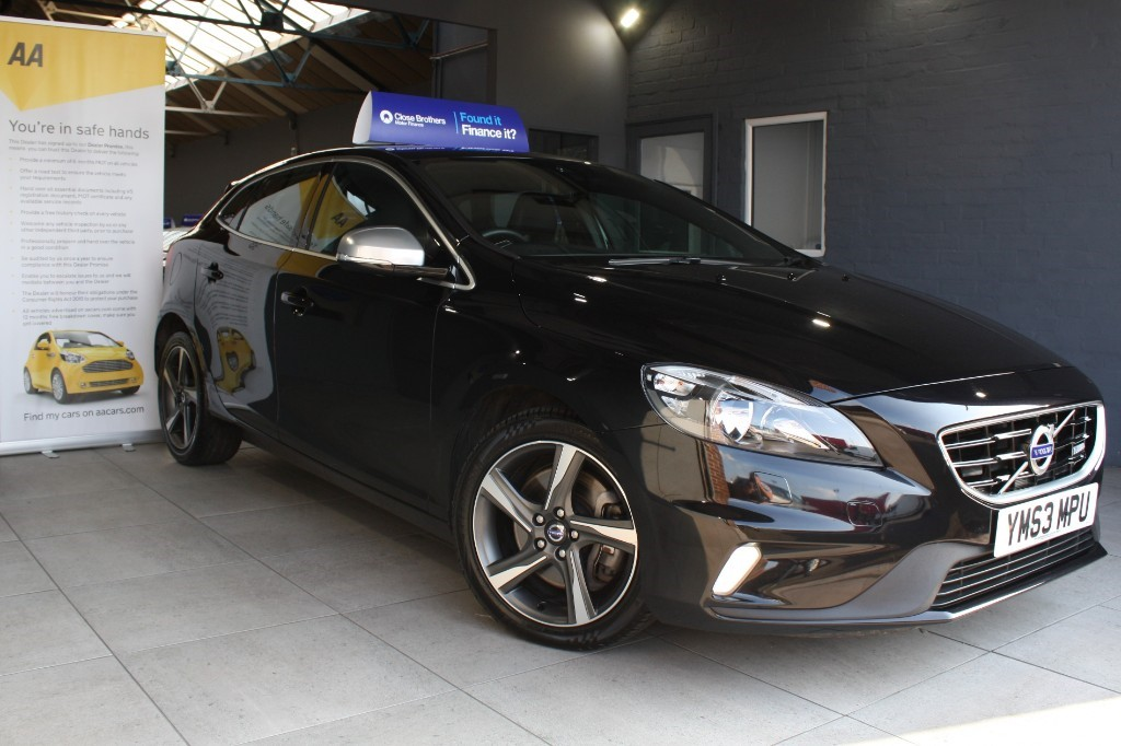 used Volvo V40 D3 R-DESIGN in staffordshire