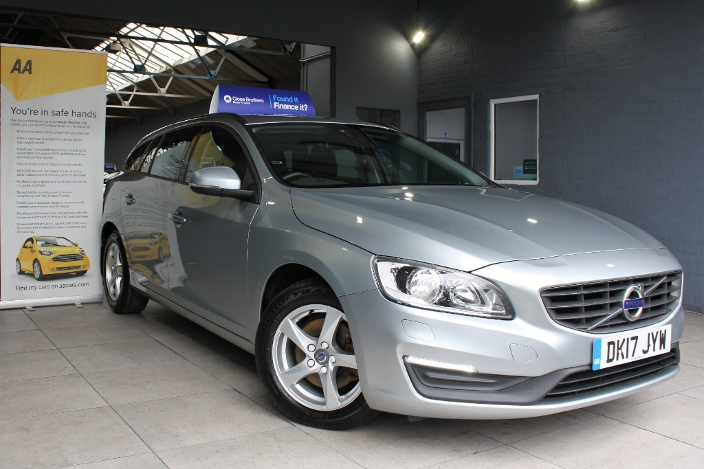 used Volvo V60 D2 BUSINESS EDITION in staffordshire