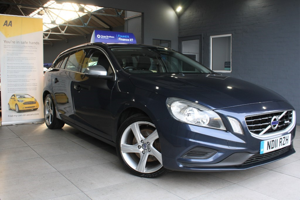 used Volvo V60 D5 R-DESIGN in staffordshire
