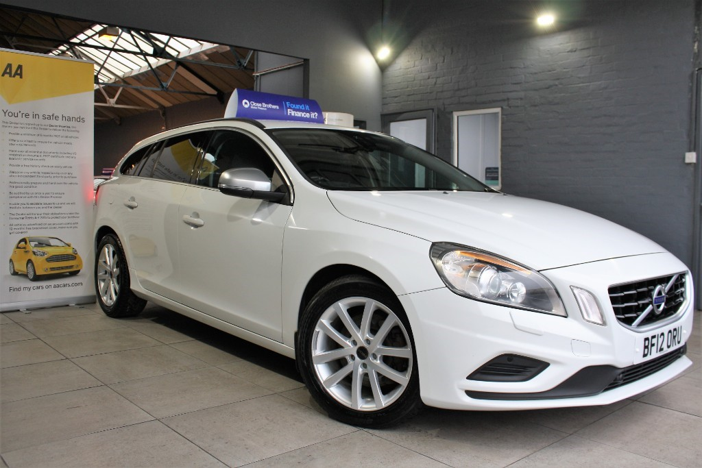 used Volvo V60 D5 R-DESIGN AWD in staffordshire