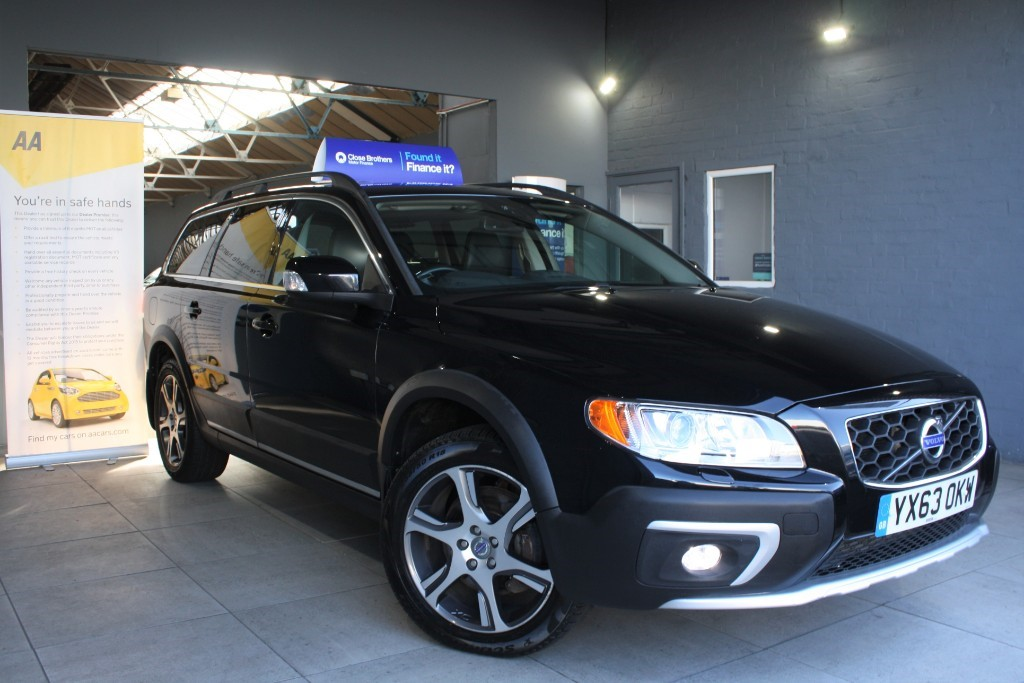 used Volvo XC70 D4 SE LUX AWD in staffordshire