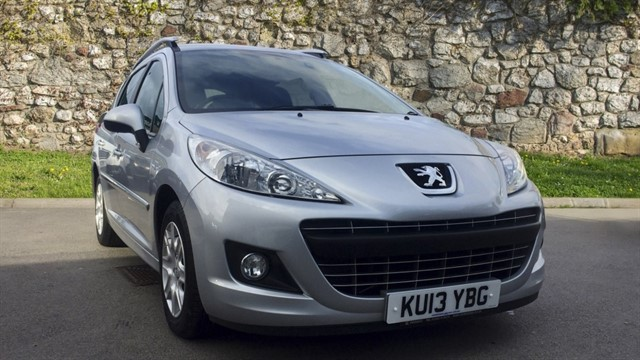 used Peugeot 207 SW HDi Active 5dr in chapel-en-le-frith
