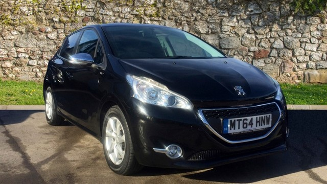 used Peugeot 208 HDi Style 5dr in chapel-en-le-frith
