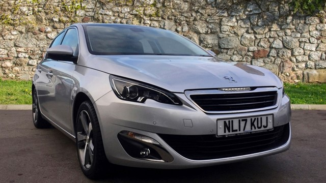 used Peugeot 308 PureTech Allure Hatchback 5dr Manual (s/s) (107 g/km, 130 bhp) in chapel-en-le-frith