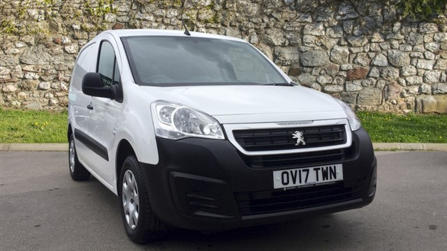 used Peugeot Partner BlueHDi (Eu6) Professional L1 854 5dr in chapel-en-le-frith