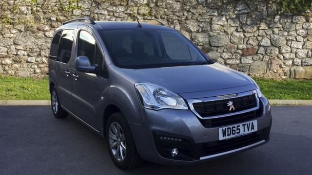 used Peugeot Partner Tepee BlueHDi Allure (s/s) 5dr in chapel-en-le-frith