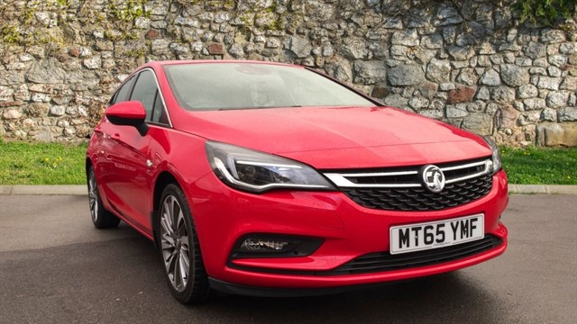 used Vauxhall Astra CDTi SRi 5dr in chapel-en-le-frith