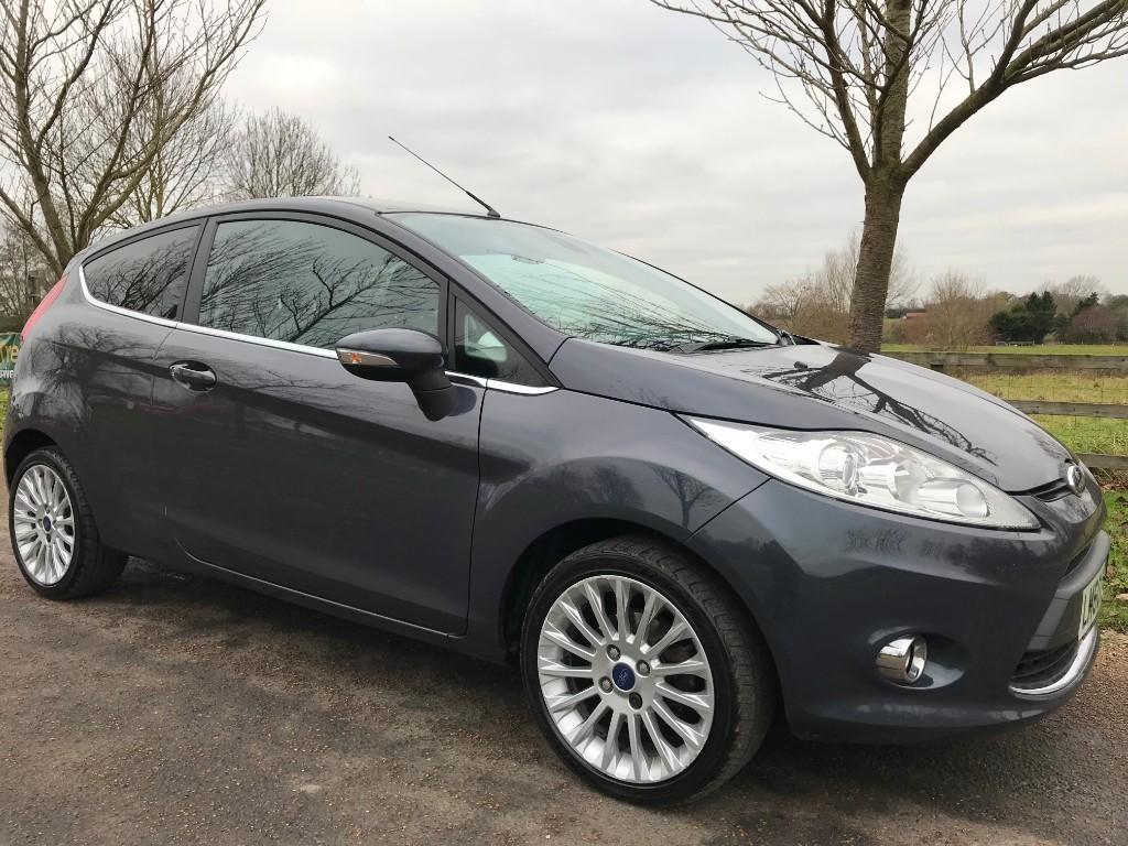 used Ford Fiesta TITANIUM in essex