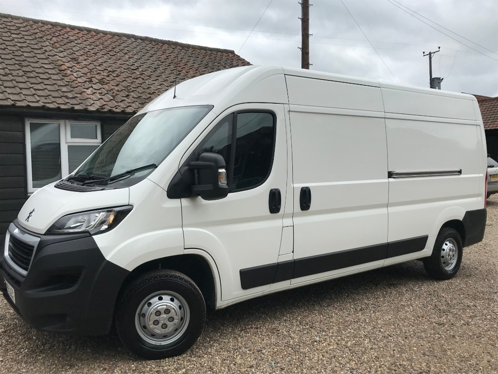 used Peugeot Boxer BLUE HDI 335 L3H2 PROFESSIONAL P/V in essex