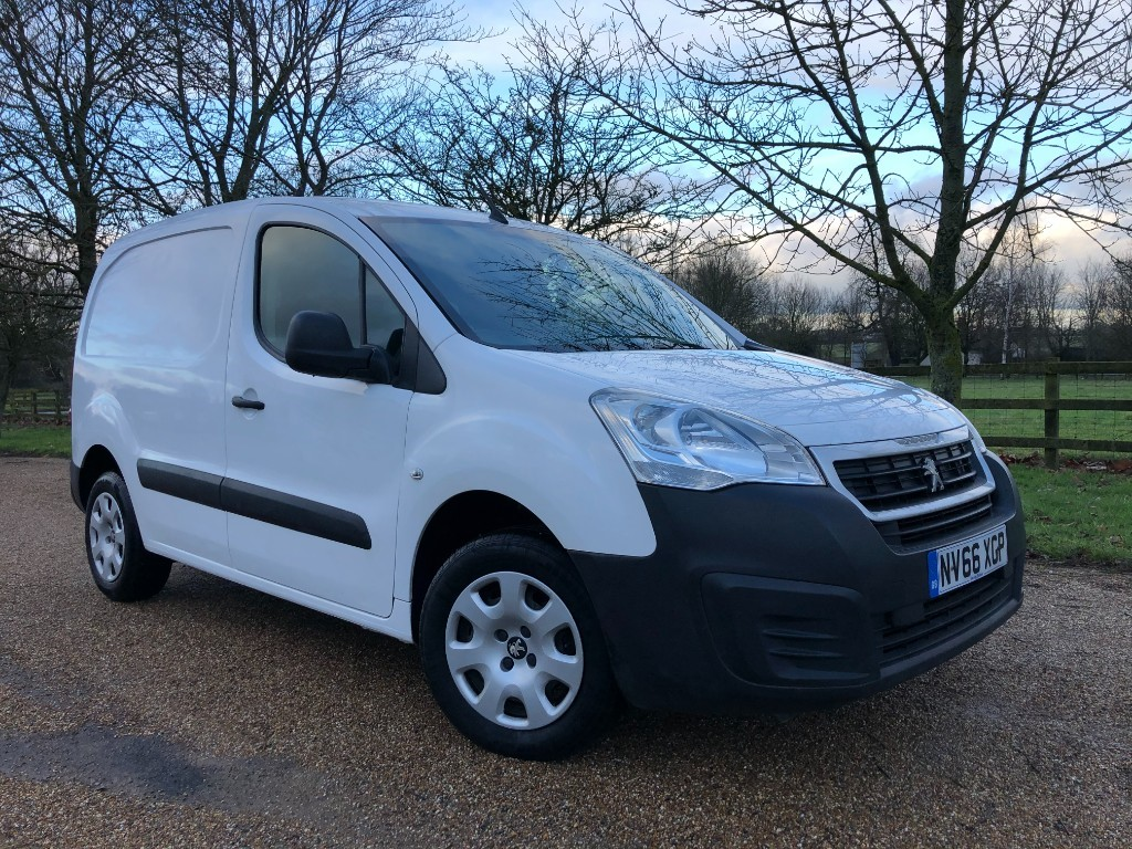 used Peugeot Partner BLUE HDI PROFESSIONAL L1 in essex