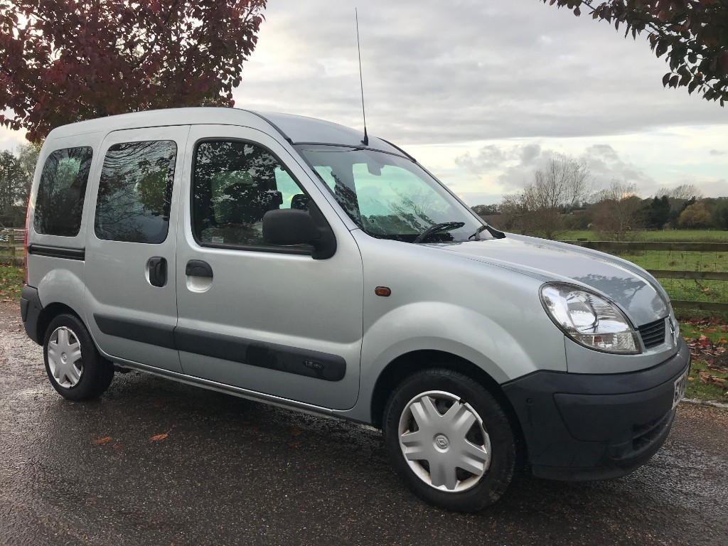 used Renault Kangoo AUTHENTIQUE 16V in essex
