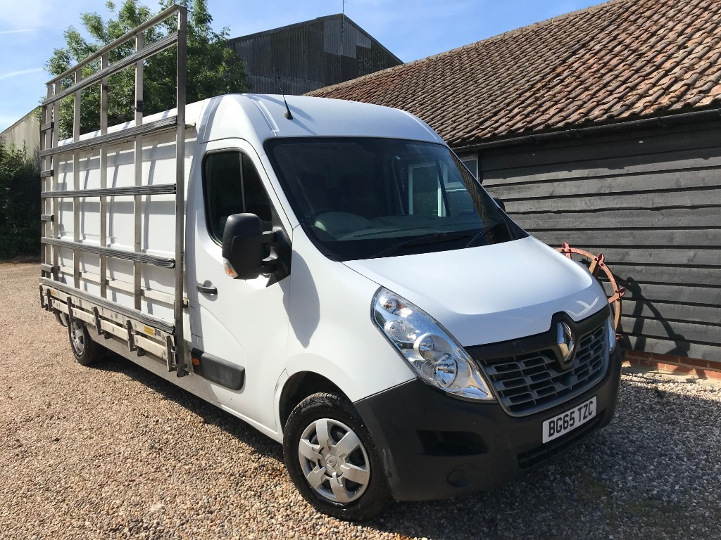 used Renault Master LM35 BUSINESS PLUS DCI S/R P/V in essex