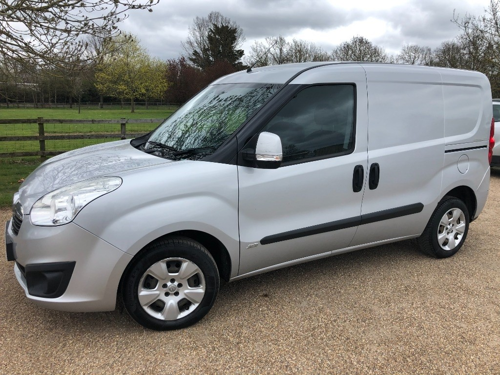 used Vauxhall Combo 2000 L1H1 CDTI S/S SPORTIVE in essex