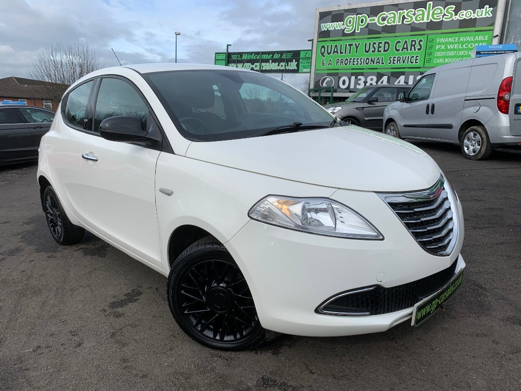 used Chrysler Ypsilon SE in west-midlands