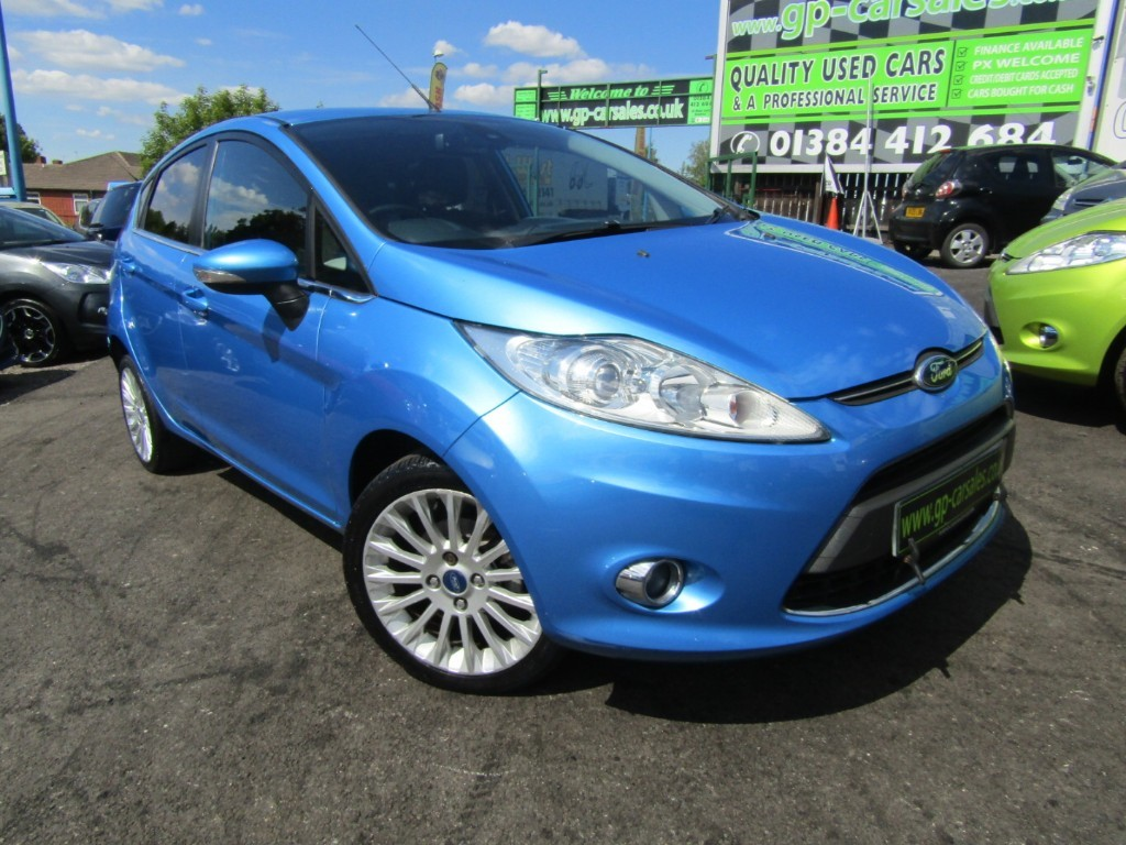used Ford Fiesta TITANIUM in west-midlands