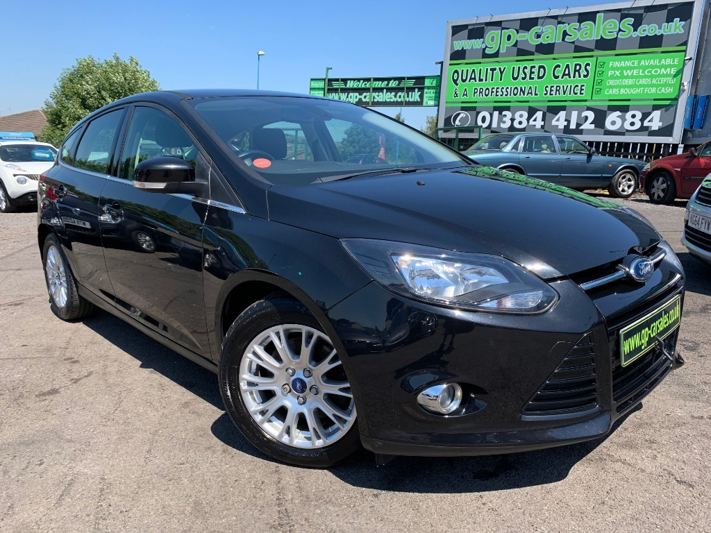 used Ford Focus TITANIUM in west-midlands