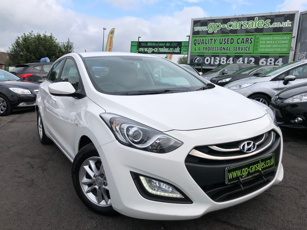 used Hyundai i30 CRDI ACTIVE BLUE DRIVE in west-midlands