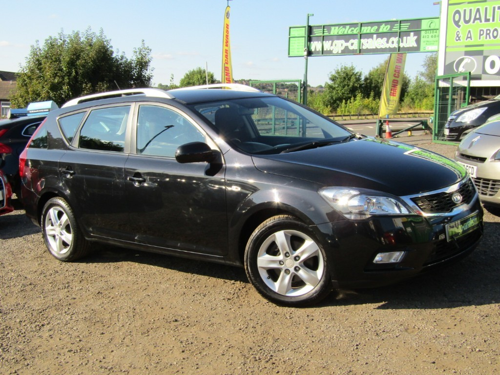 used Kia Ceed CRDI 2 SW in west-midlands