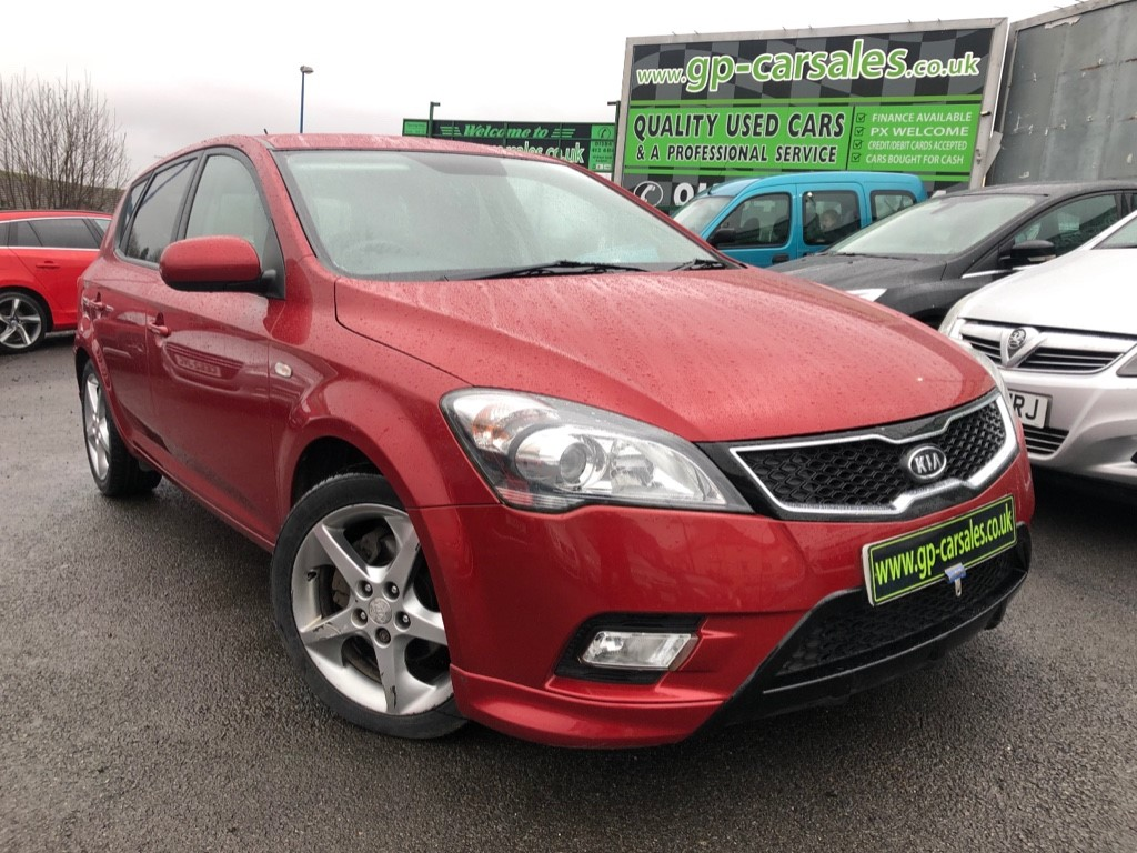 used Kia Ceed CRDI 3 in west-midlands