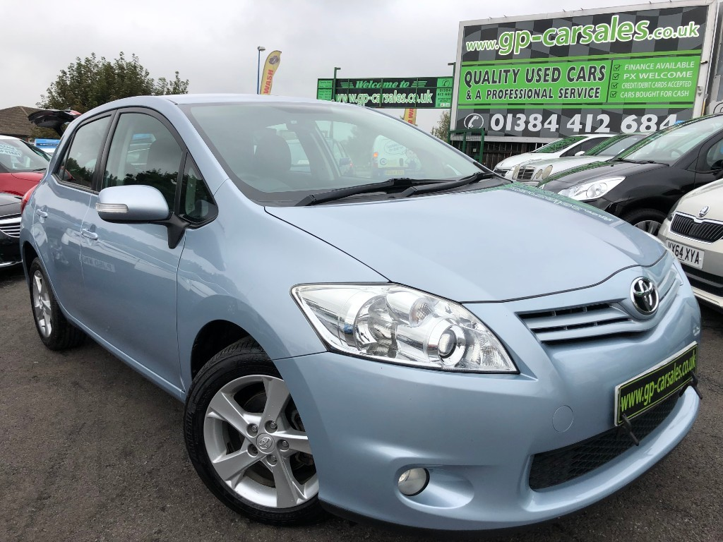 used Toyota Auris VVT-I TR in west-midlands