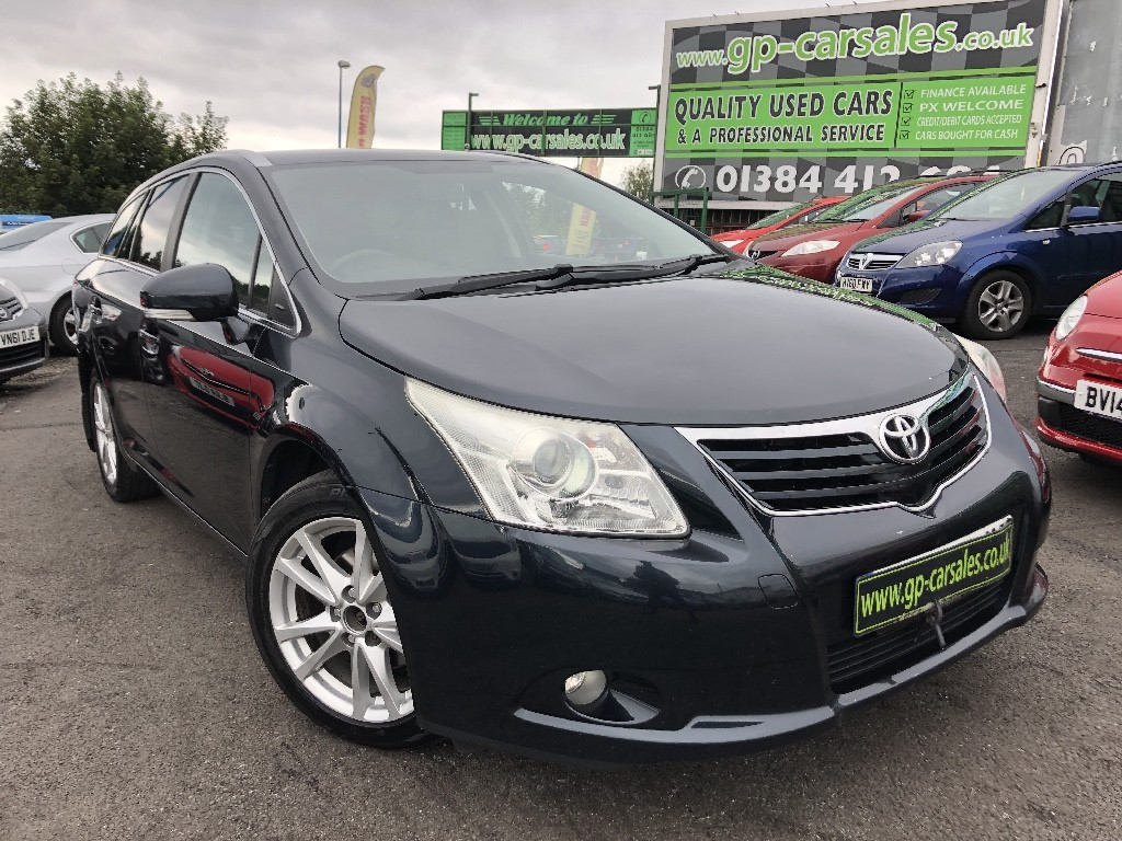 used Toyota Avensis D-4D TR in west-midlands