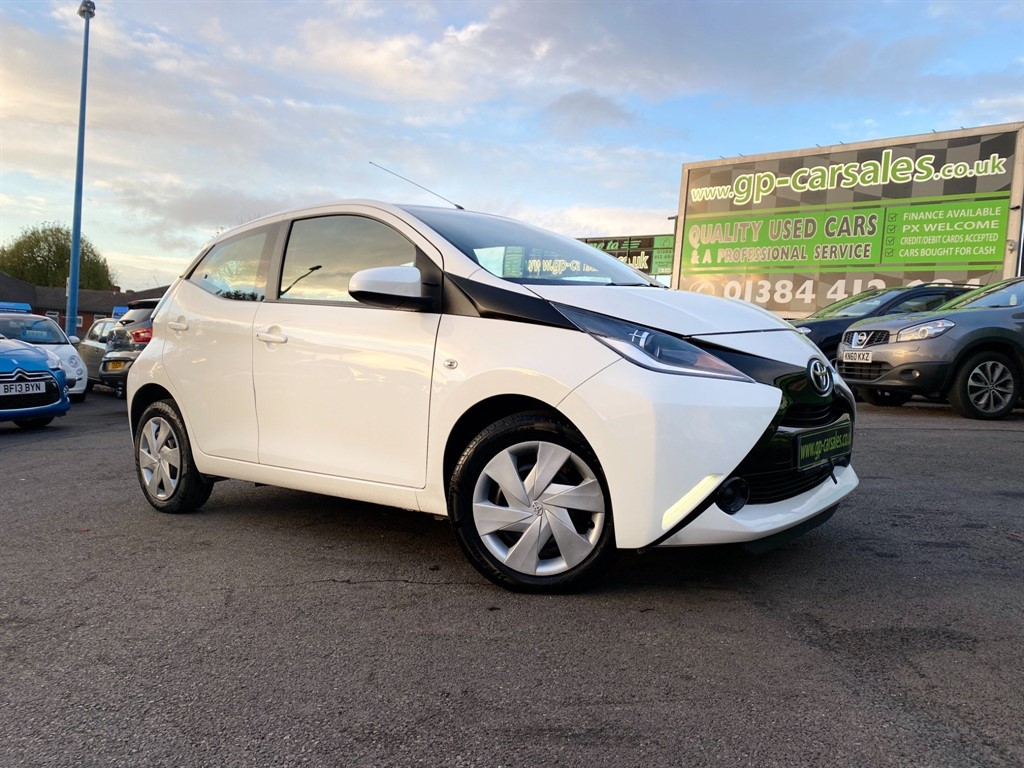 used Toyota Aygo x-play EU5 in west-midlands