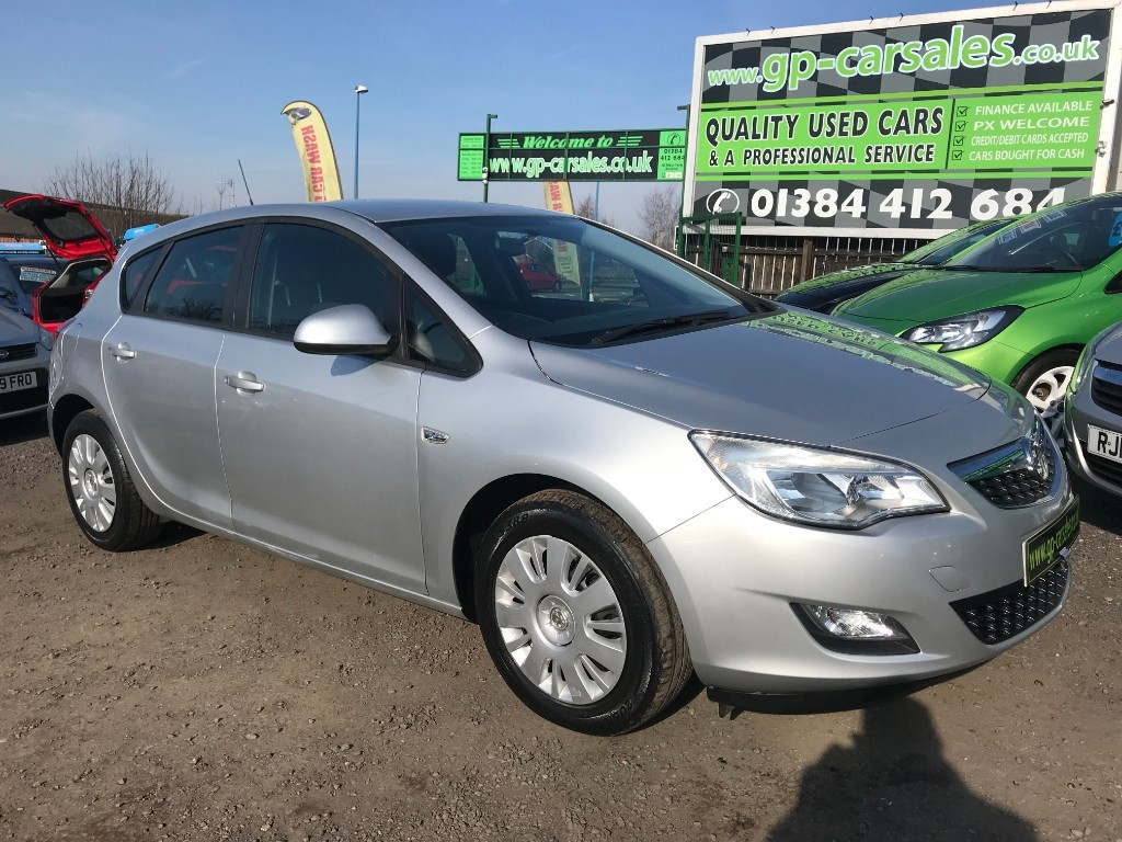 used Vauxhall Astra EXCLUSIV in west-midlands