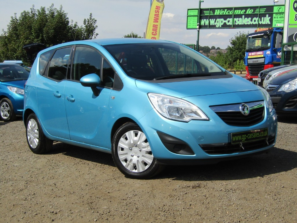 used Vauxhall Meriva EXCLUSIV CDTI in west-midlands