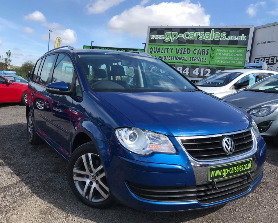 used VW Touran SE TDI 105 in west-midlands