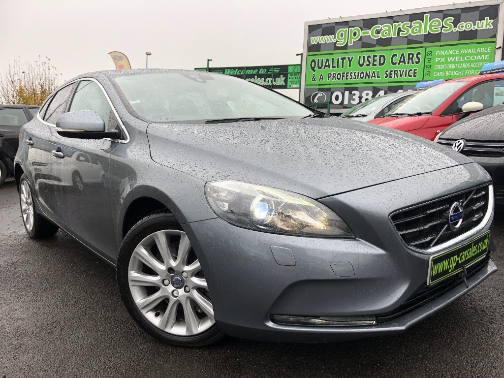 used Volvo V40 D3 SE LUX NAV in west-midlands