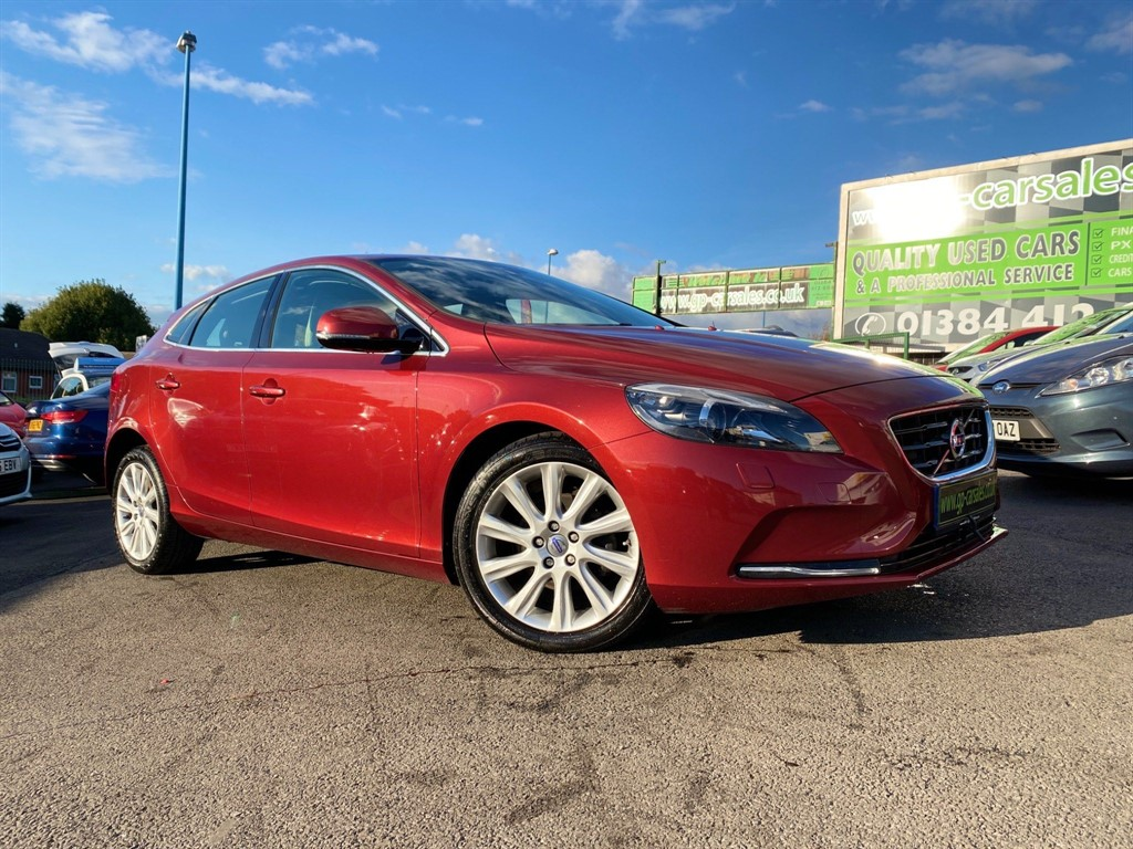 used Volvo V40 D2 SE Lux in west-midlands