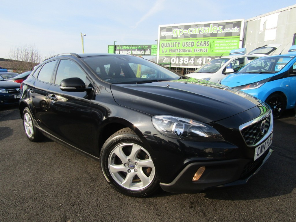used Volvo V40 D2 CROSS COUNTRY SE in west-midlands