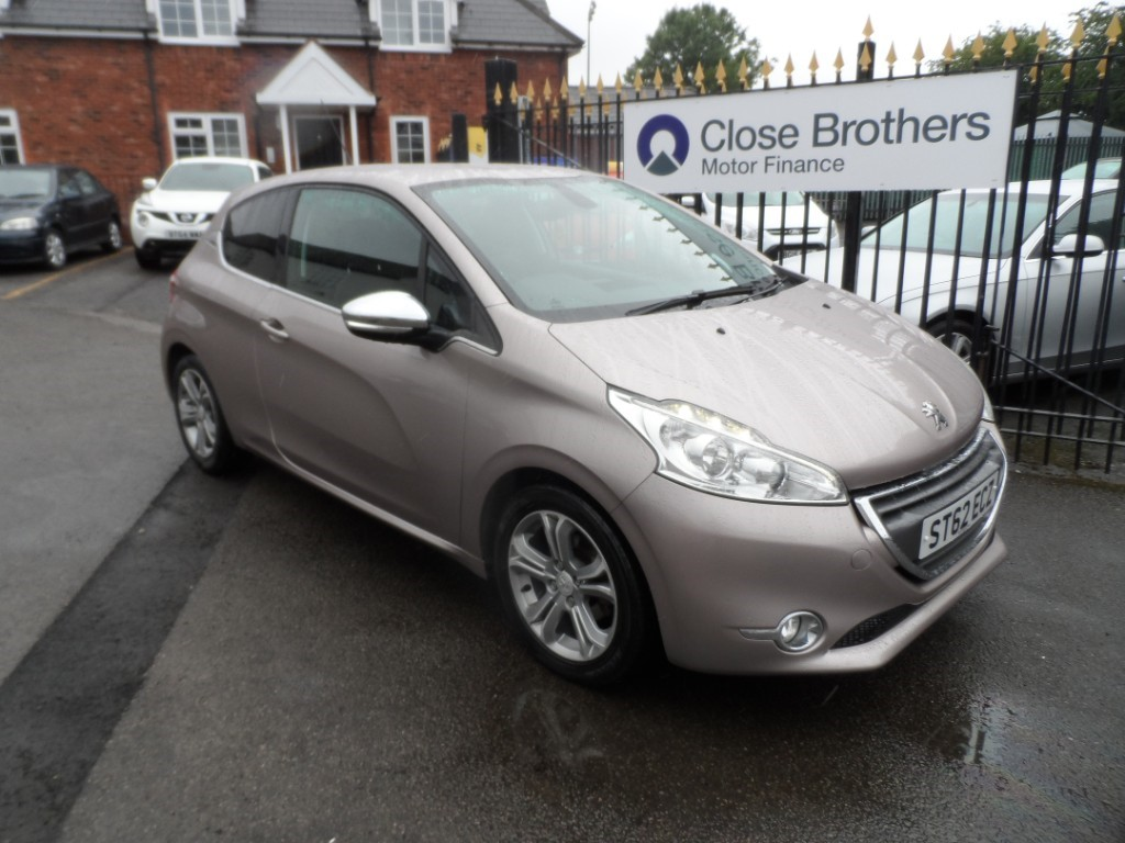 used Peugeot 208 ALLURE in Halesowen