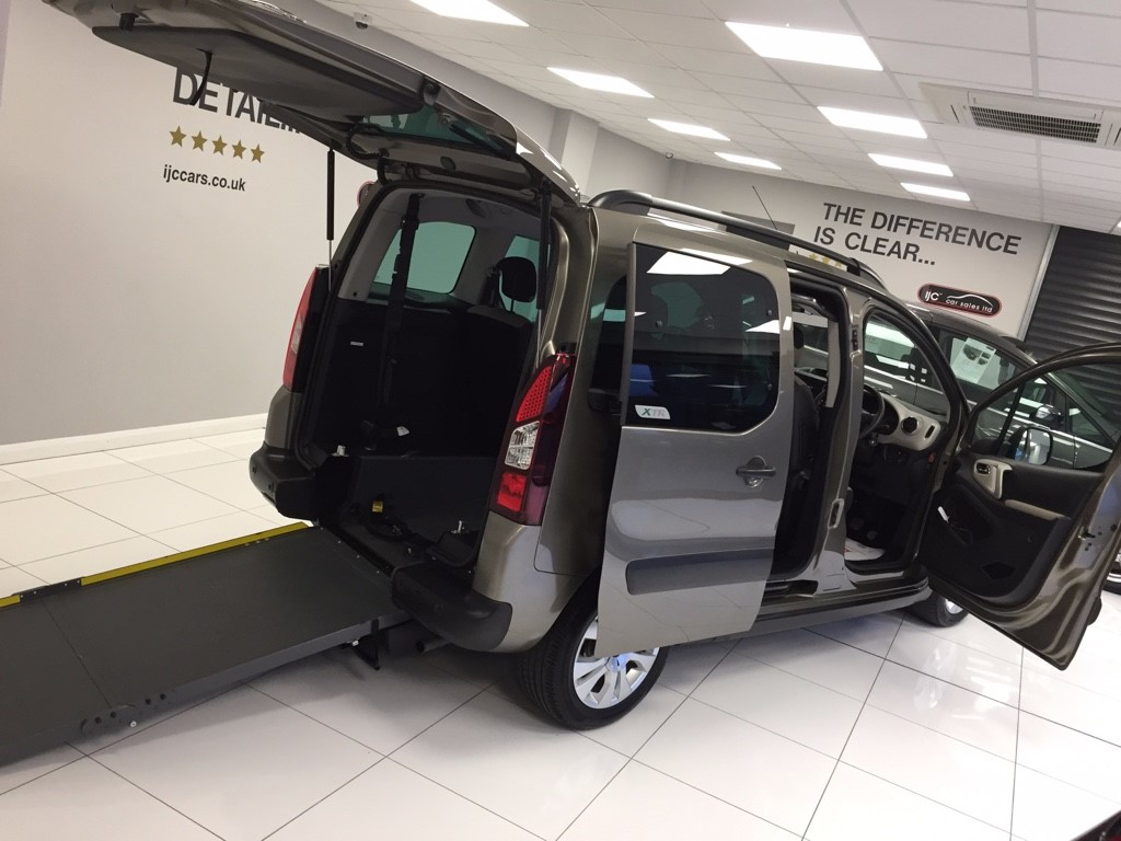 used Citroen Berlingo Multispace HDI XTR wheelchair adapted WAV,lowered floor with ramp in louth-lincolnshire
