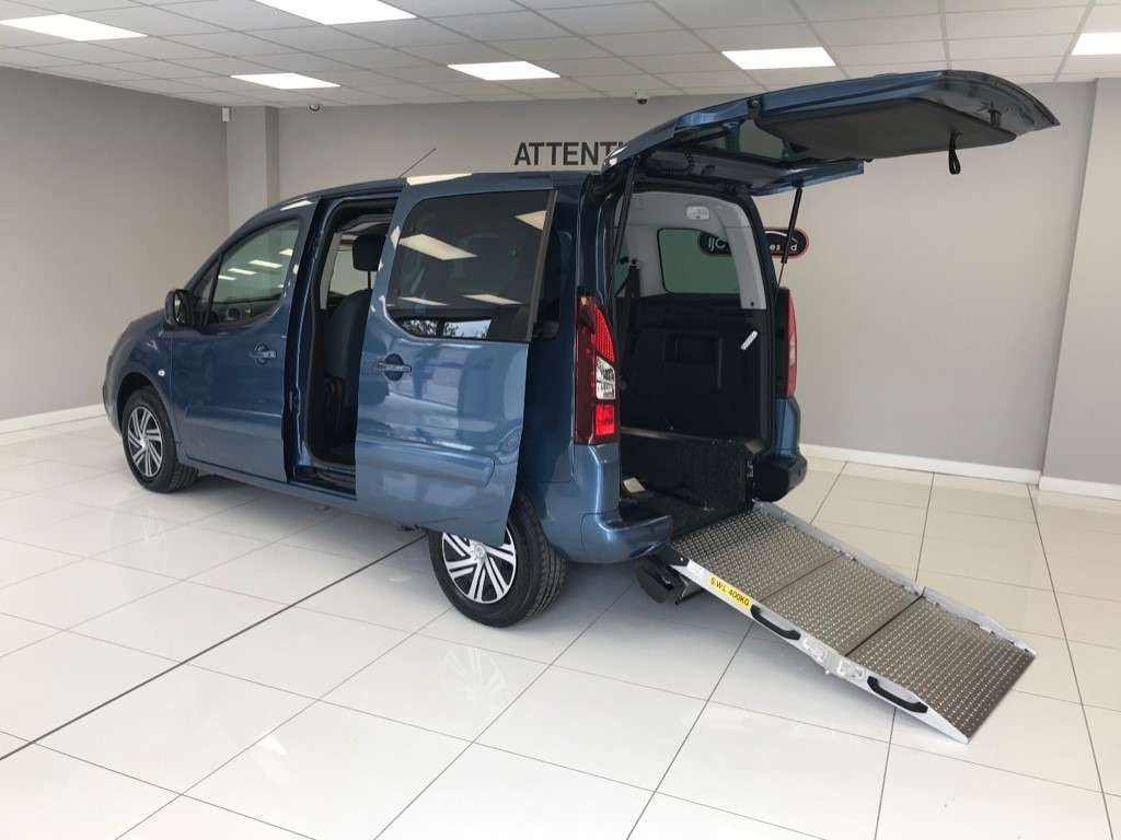 used Citroen Berlingo Multispace BLUEHDI FEEL WHEELCHAIR ADAPTED WAV WITH JUST 2100 MILES!! RARE 2017 MODEL!! in louth-lincolnshire