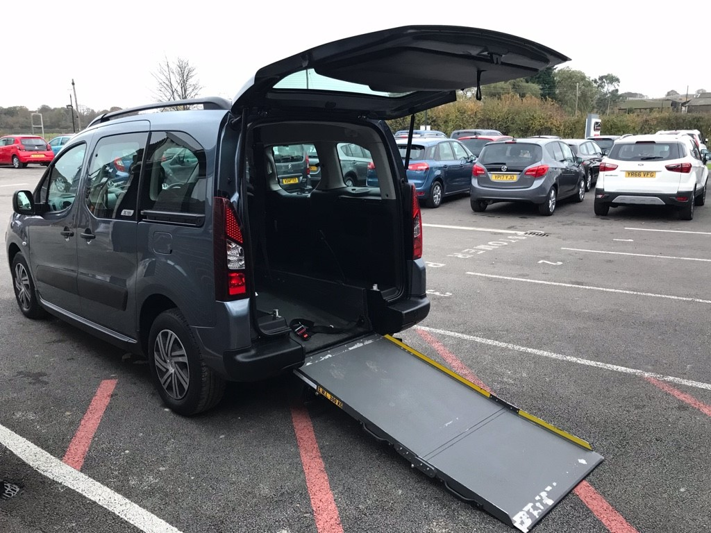 used Citroen Berlingo Multispace 1.6HDI DIESEL AUTOMATIC in louth-lincolnshire