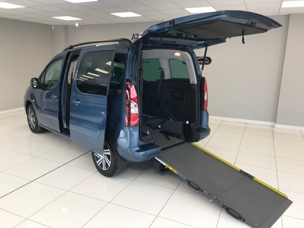 used Citroen Berlingo Multispace HDI WHEELCHAIR ADAPTED WAV ** RARE AUTOMATIC** WITH JUST 3,220 MILES (YES JUST 3,220 MILES!!) in louth-lincolnshire