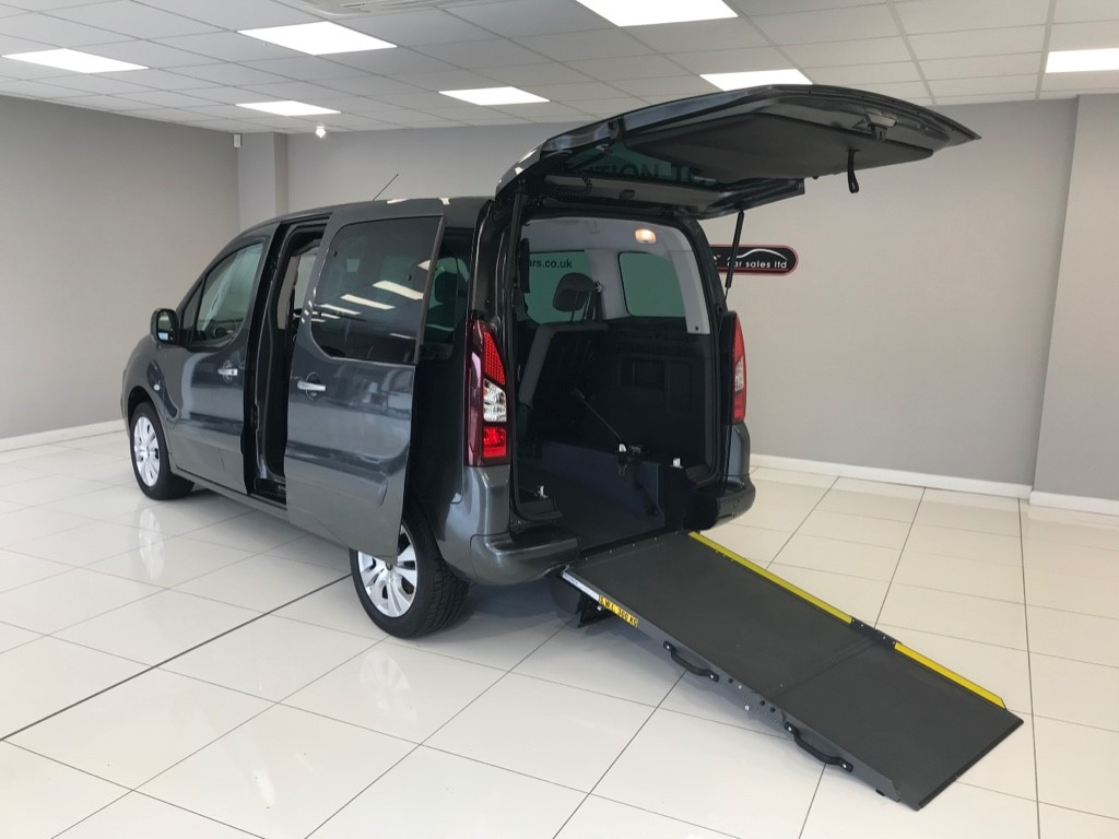 used Citroen Berlingo Multispace BLUE WHEELCHAIR ADAPTED WAV DIESEL MANUAL WITH JUST 18,723 MILES!! in louth-lincolnshire