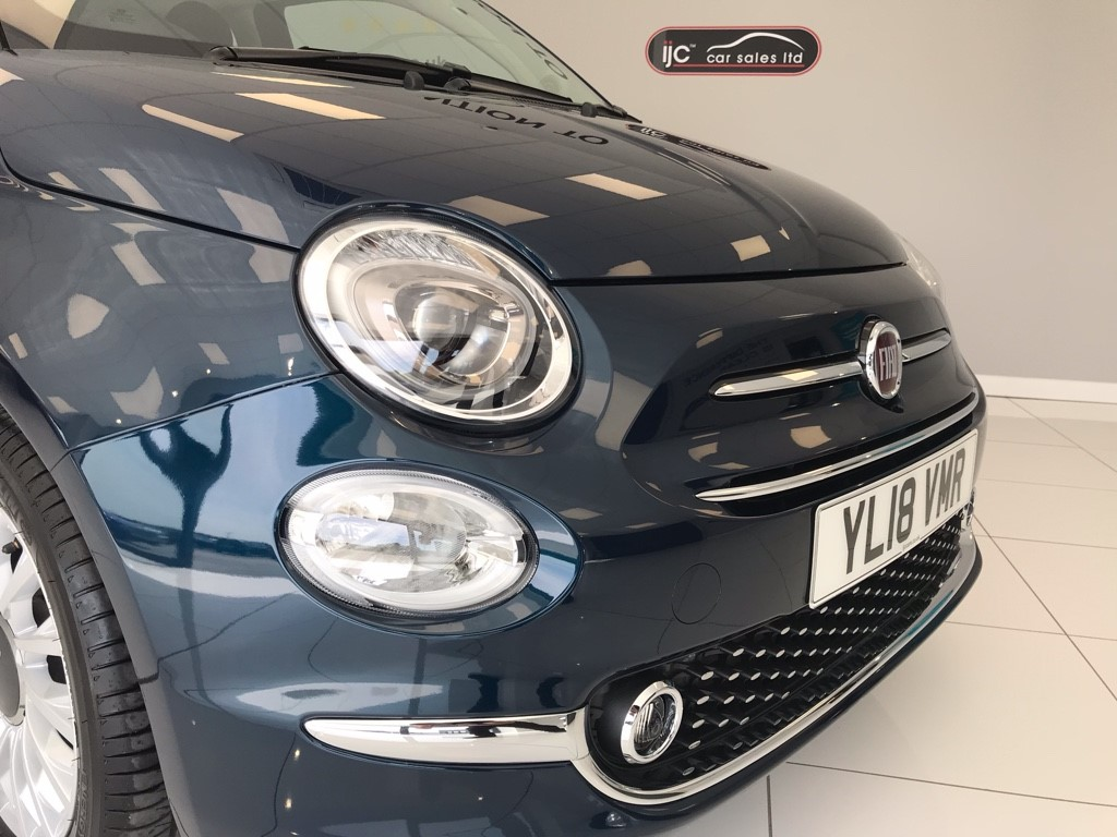 Fiat 500 LOUNGE DUALOGIC 1 2 AUTOMATIC WITH JUST 798 MILES