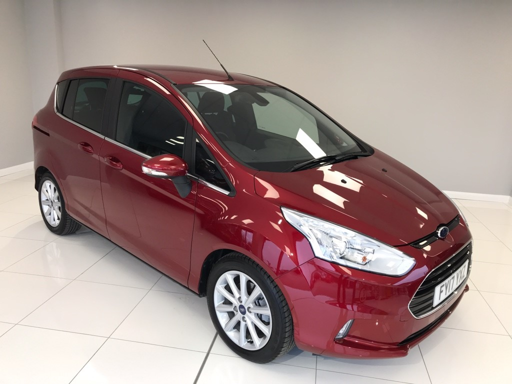 used Ford B-Max 1.6 PETROL AUTO TITANIUM NAVIGATOR in louth-lincolnshire