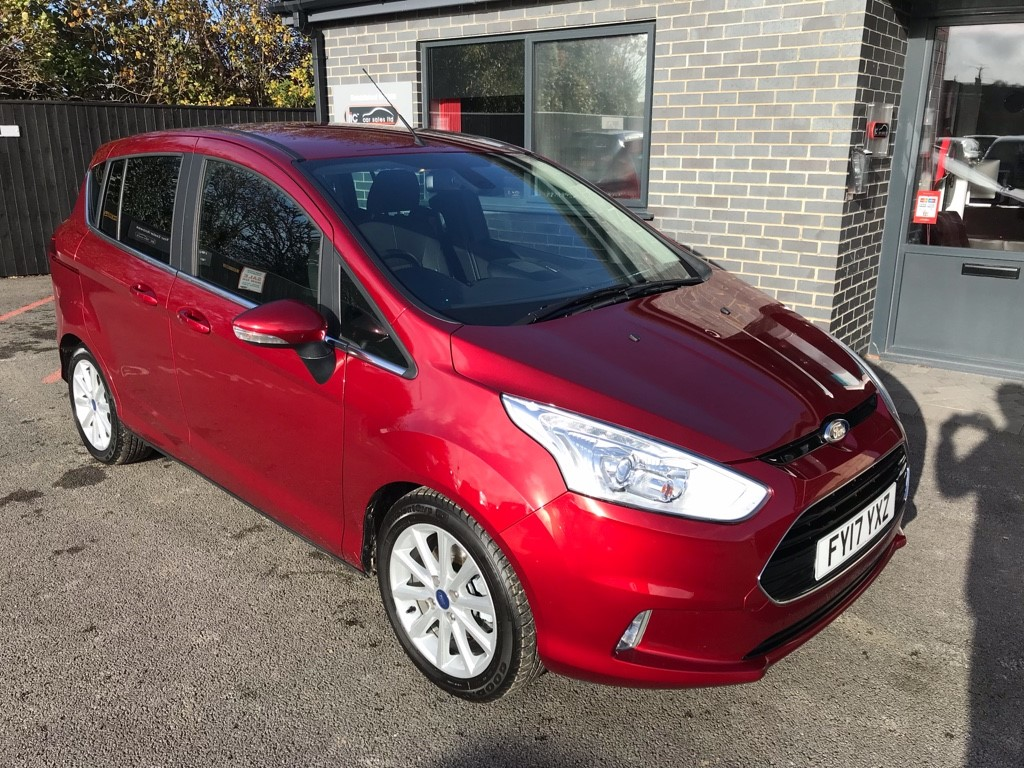 used Ford B-Max TITANIUM NAVIGATOR in louth-lincolnshire