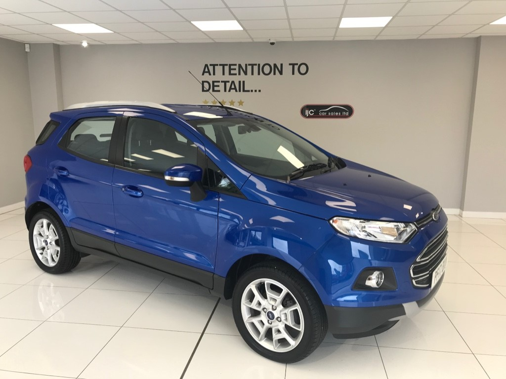 used Ford EcoSport TITANIUM WITH AN INCREDIBLE 797 MILES!! FULL DEALER HISTORY.  PETROL 125 BHP ENGINE in louth-lincolnshire