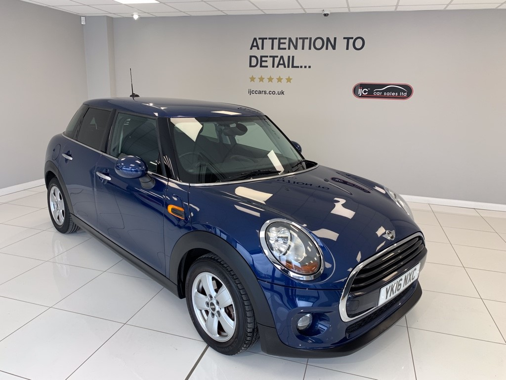 used MINI Cooper MINI COOPER DIESEL AUTO WITH SATNAV AND PARK SENSORS. BMW BUILD QUALITY! in louth-lincolnshire