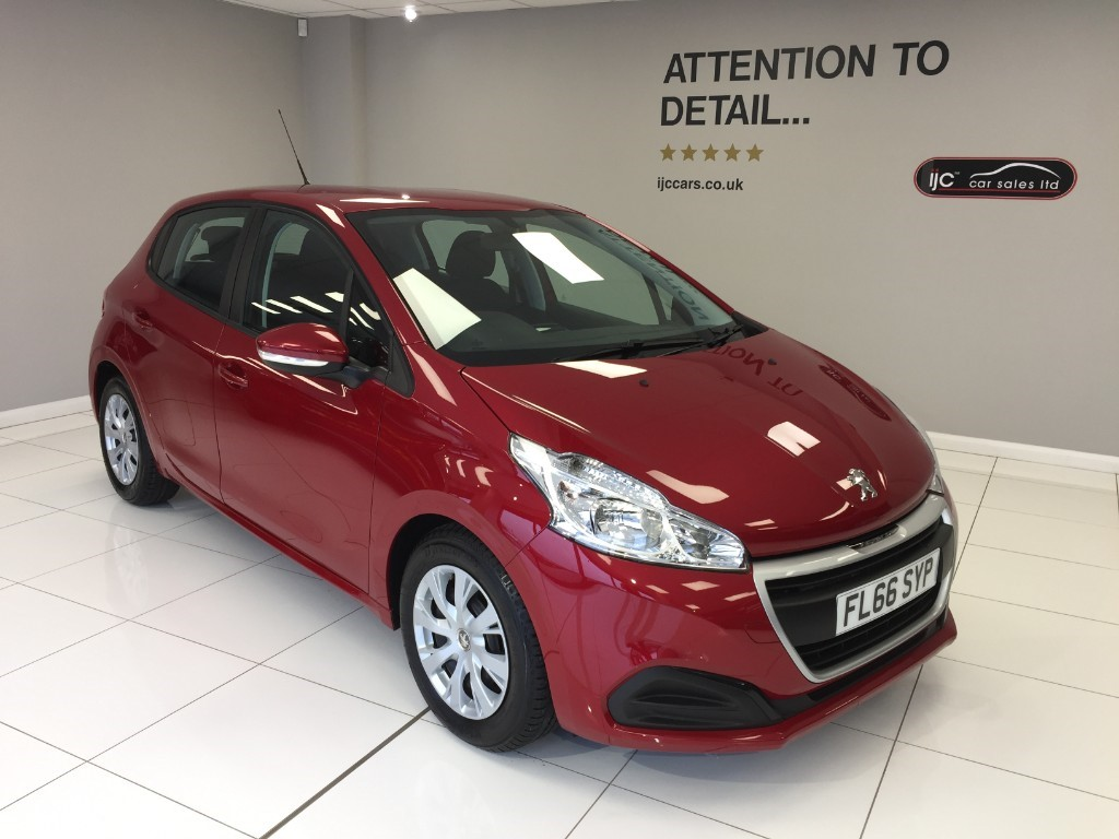 used Peugeot 208 ACCESS A/C WITH JUST 1,855 MILES!! �20 TAX, PETROL VERSION in louth-lincolnshire