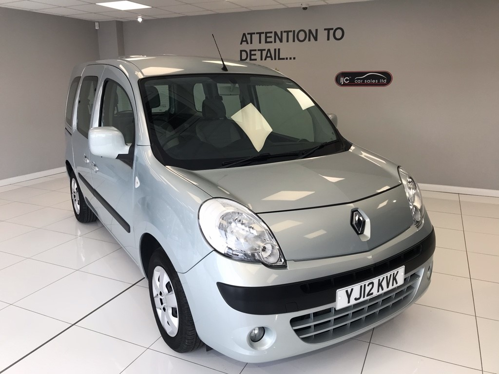 used Renault Kangoo EXPRESSION 16V WHEELCHAIR ADAPTED VEHICLE WITH POWERED WINCH AND LOW MILES!!!! in louth-lincolnshire