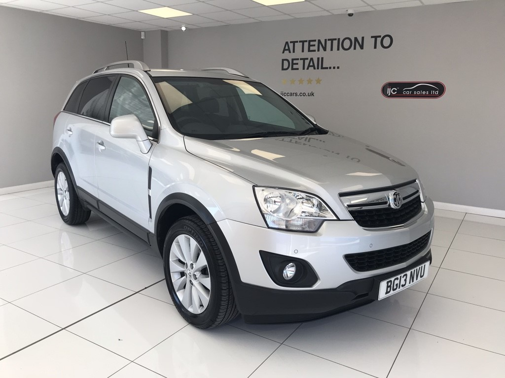 used Vauxhall Antara EXCLUSIV CDTI WITH JUST 24,460 MILES!! AUTO DIESEL WITH EXCELLENT TOWING CAPABILITIES!! in louth-lincolnshire