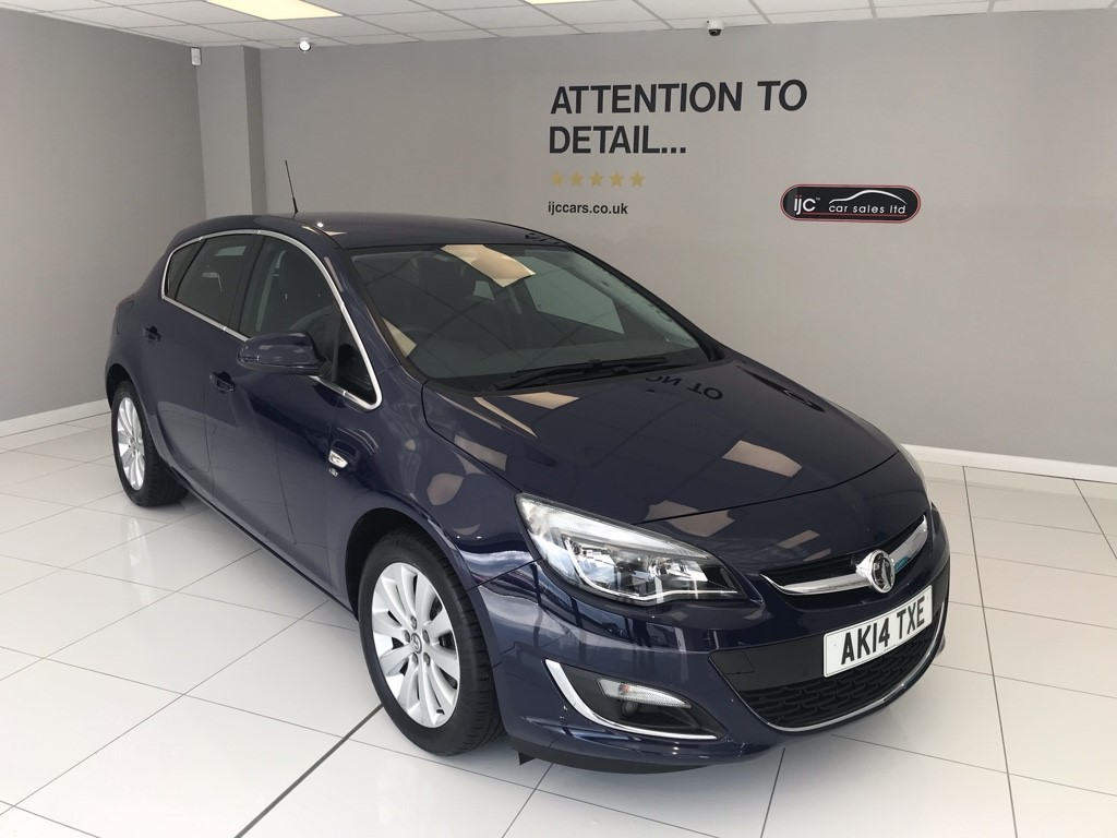 used Vauxhall Astra ELITE CDTI ECOFLEX, JUST 15,798 MILES!! in louth-lincolnshire