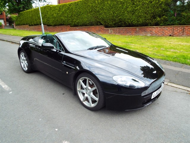 used Aston Martin Vantage V8 ROADSTER in lancashire