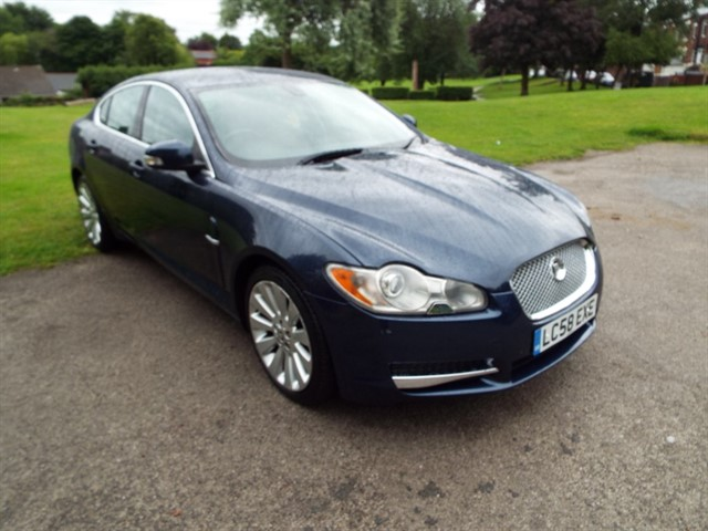 used Jaguar XF V6 PREMIUM LUXURY in lancashire